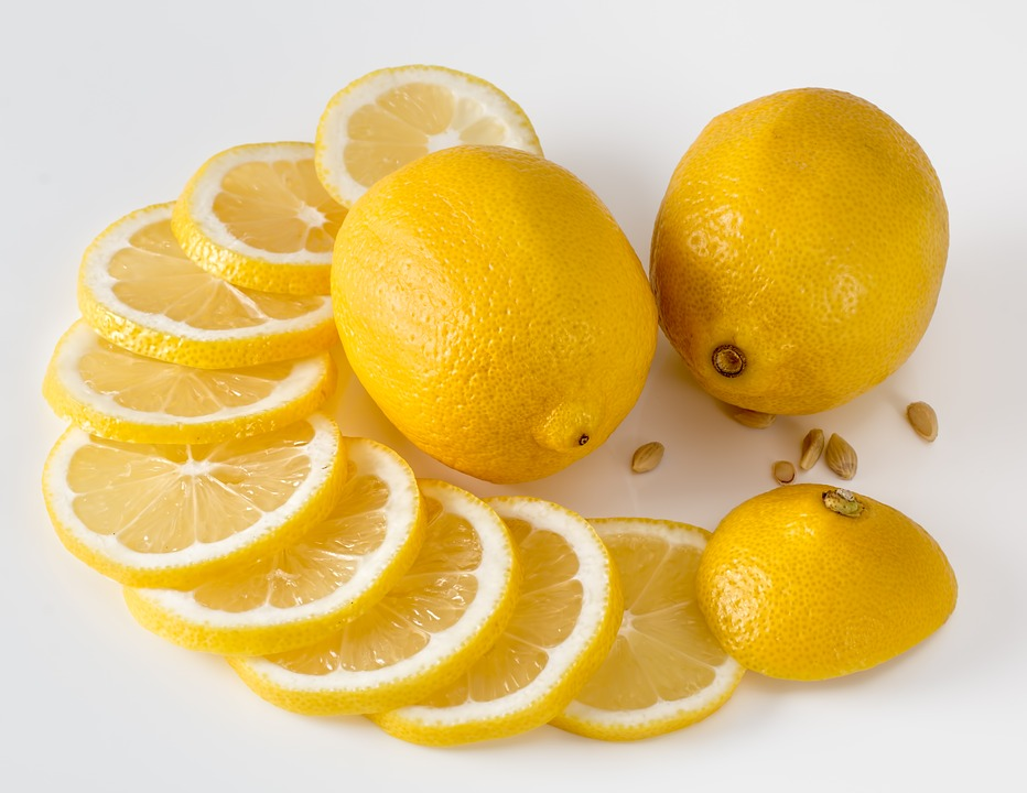 Lemon Slices to Clean Electric Kettle